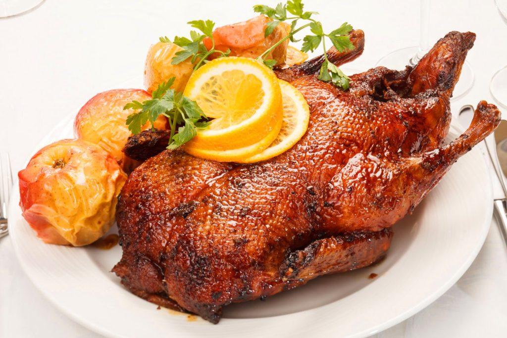 Фото - Как приготовить утку - коронное блюдо на праздничном столе