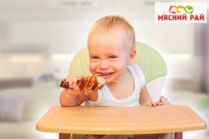 Дитячий прикорм: з чого почати