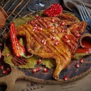 Цыпленок табака маринованный в вине , 1 шт