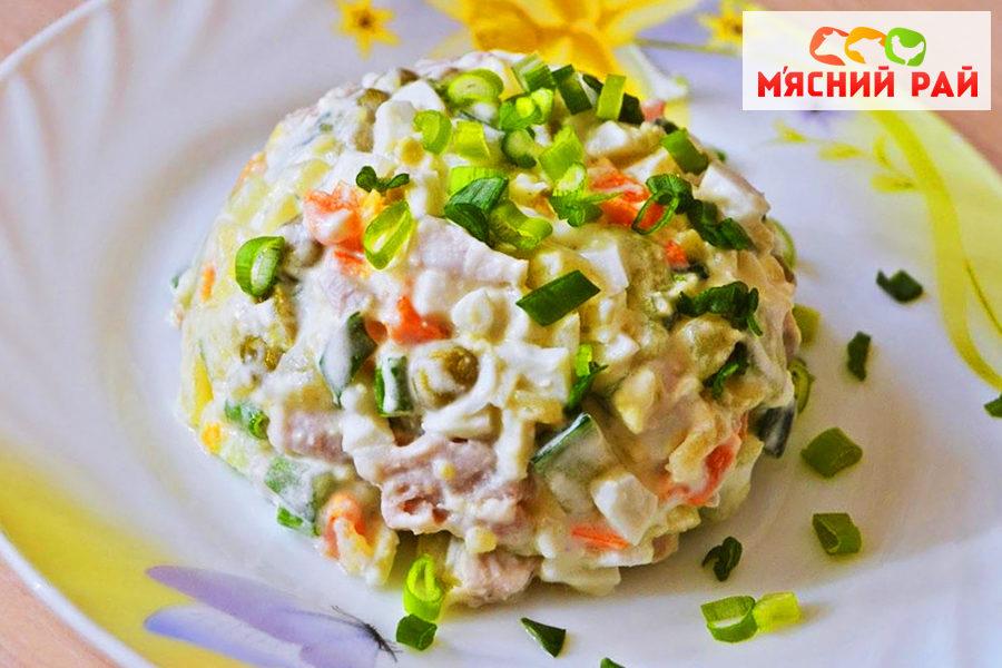 Салат с вареной колбасой