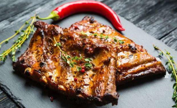 Ребрышки в духовке: блюдо на каждый день