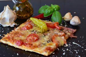 рецепт домашньої піци з ковбасою