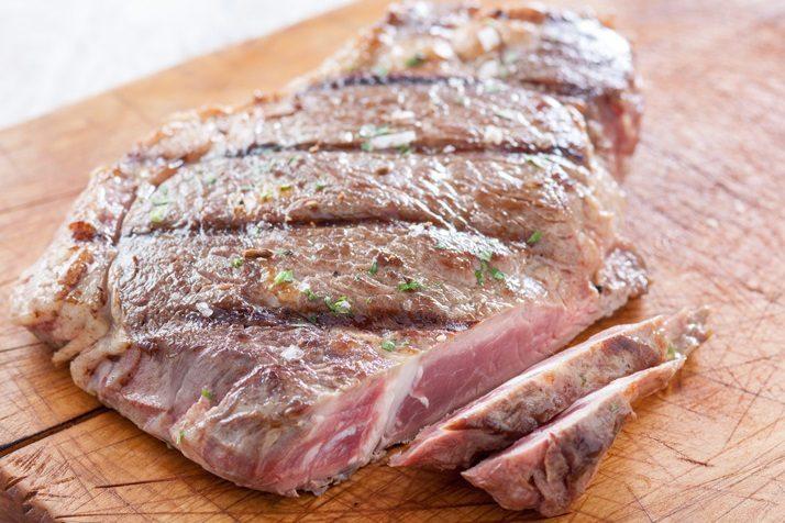 Фото - Антрекот из телятины – вкуснейшие рецепты домашних блюд из телячьего мяса