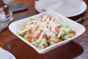 легкий салат з курки