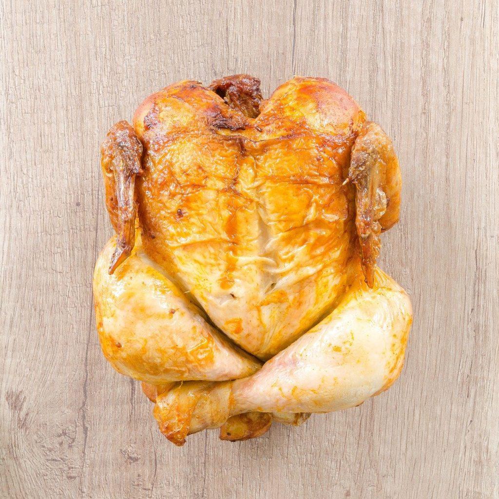 Фото - Чтобы корочка была румяной: секреты приготовления целой курицы